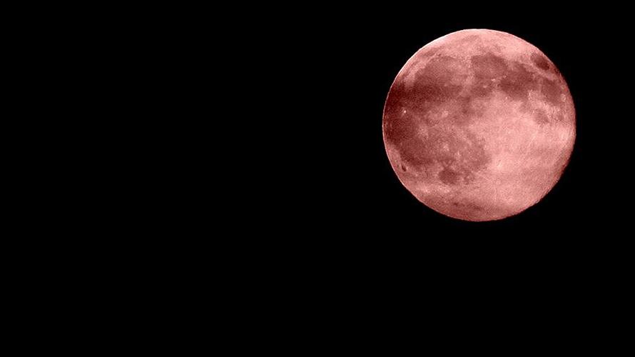 彼女と一緒に見る皆既月食から考える婚外恋愛成功の秘訣